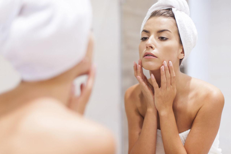 Vệ sinh da không đúng cách dễ khiến bệnh viêm nang lông phát triển