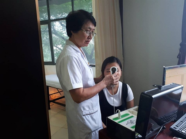 Xoá nếp nhăn, nâng cơ chống chảy xệ với Phương pháp căng da 4 lớp ở Trung tâm Da liễu Đông Y Việt Nam
