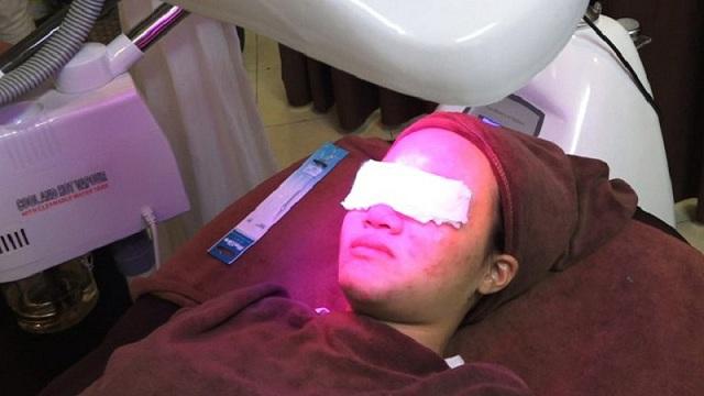 Quy trình trị mụn ở Trung tâm Da liễu Đông y Việt Nam khá chuyên nghiệp