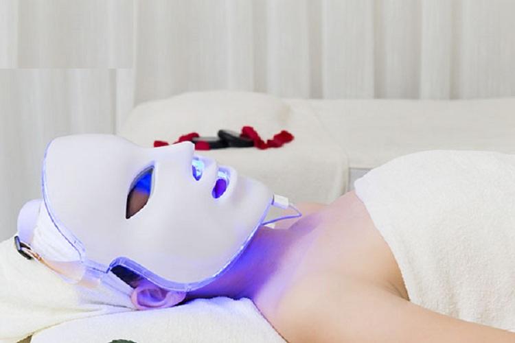 Mặt nạ ánh sáng sinh học giúp tăng sinh collagen làm đẹp da hiệu quả