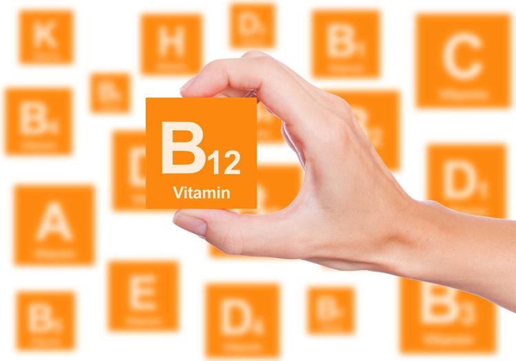 Thiếu hụt vitamin B12 khiến người bệnh dễ rơi vào tình trạng tóc bạc sớm