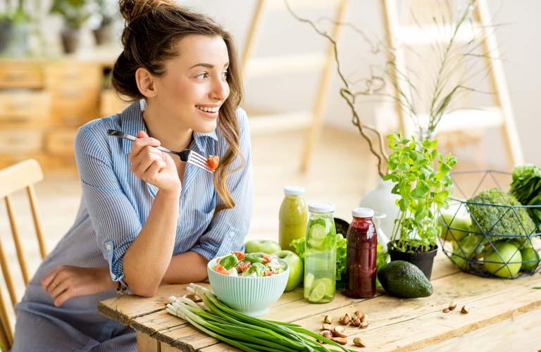 Có chế độ ăn uống khoa học để hỗ trợ điều trị bệnh chàm tốt hơn