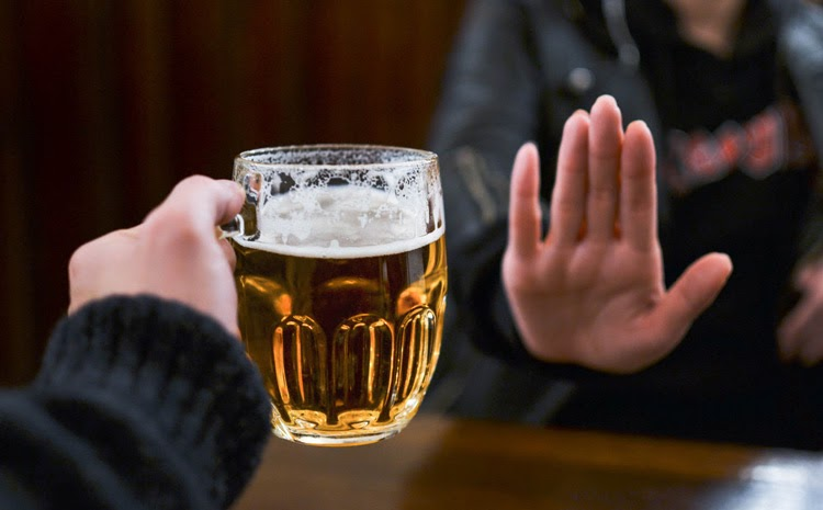 Không sử dụng rượu, bia, thuốc lá khi đang điều trị bệnh