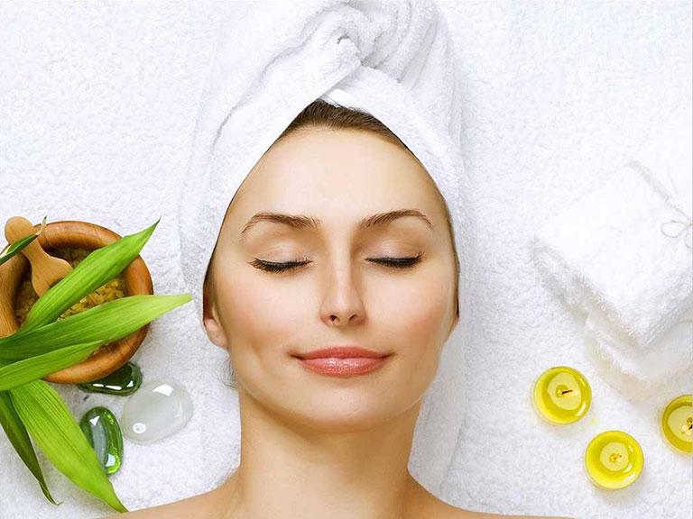 Chăm sóc da mặt thường xuyên để ngăn ngừa mụn