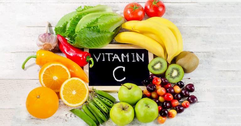 Chữa chàm bằng búp bàng kết hợp tăng cường ăn thực phẩm chứa vitamin