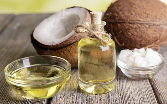 Dầu dừa chỉ có tác dụng hỗ trợ điều trị chứ không thể điều trị dứt điểm vảy nến