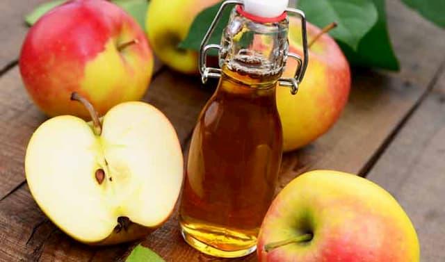Kết hợp dầu oliu và giấm để tăng cường hiệu quả trên da