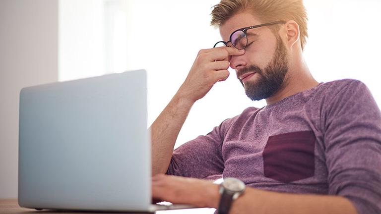 Căng thẳng stress khiến da bị lão hóa sớm dễ gây mụn