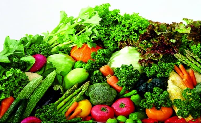 Bị viêm da tiết bã nên ăn nhiều rau xanh
