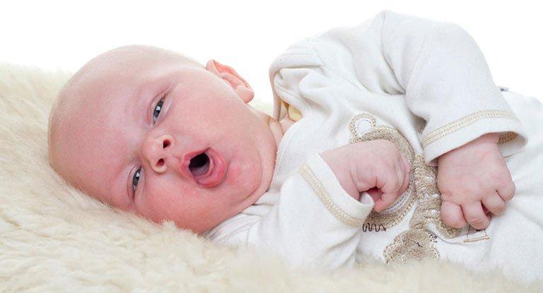 Lưu ý không dùng thuốc cho trẻ dưới 12 tháng