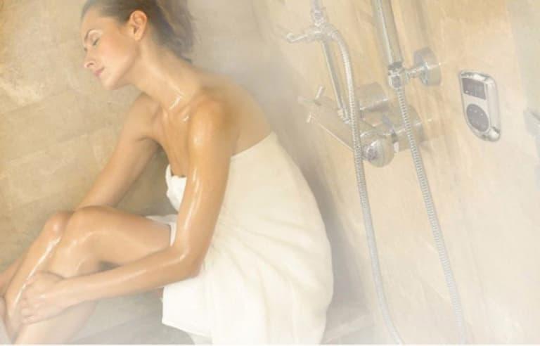 Tắm nước ấm cũng giúp hạn chế tình trạng ngứa hữu hiệu