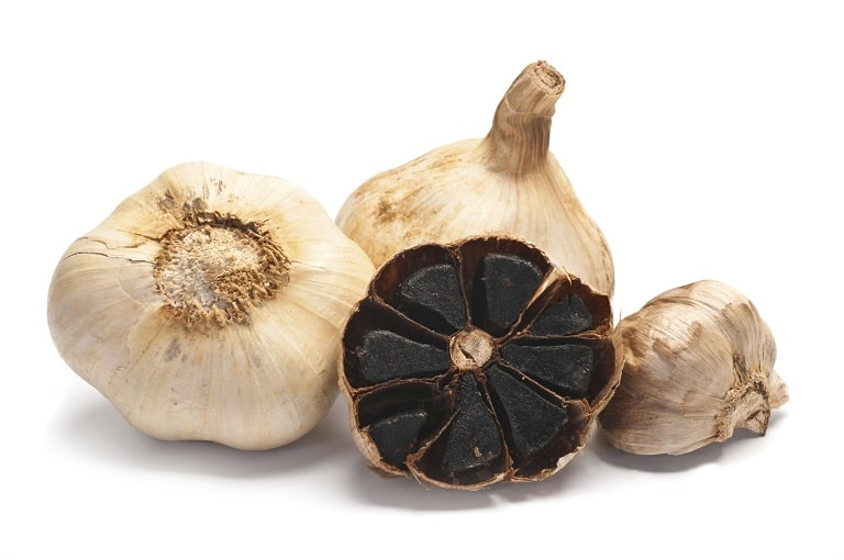 Trong tỏi đen có chứa rất nhiều dưỡng chất có tác dụng chữa khỏi viêm da cơ địa