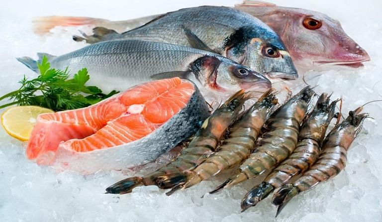 Viêm da tiếp xúc cần kiêng gì - Hãy kiêng ăn các loại hải sản