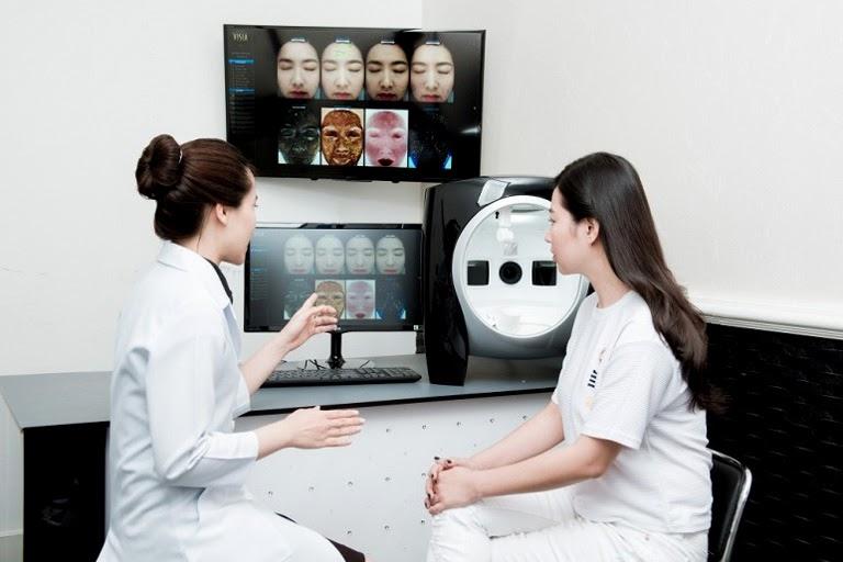 Cần tiến hành thăm khám ngay khi thấy da có dấu hiệu nhiễm độc Corticoid