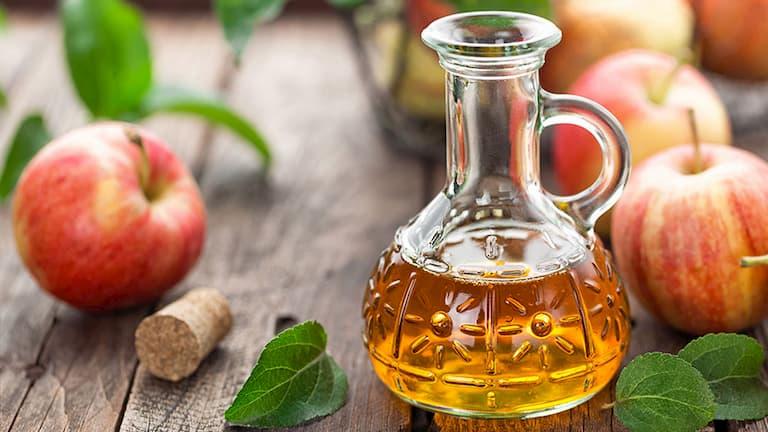 Dùng giấm táo trị mụn bọc được nhiều người áp dụng