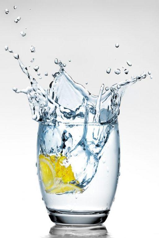Uống nước giúp cải thiện viêm nang lông