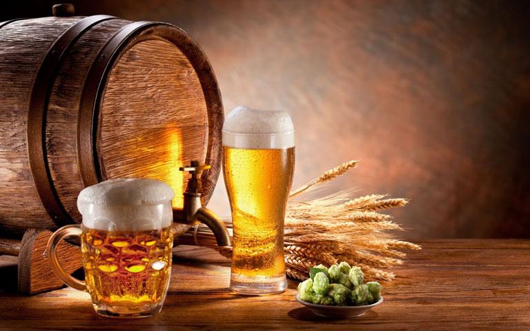Bia tươi có tác dụng thần kỳ trong điều trị mụn bọc bị chai