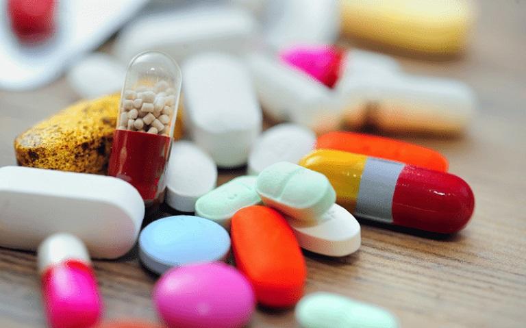 Sử dụng các loại thuốc kháng sinh sẽ giúp các triệu chứng của bệnh thuyên giảm