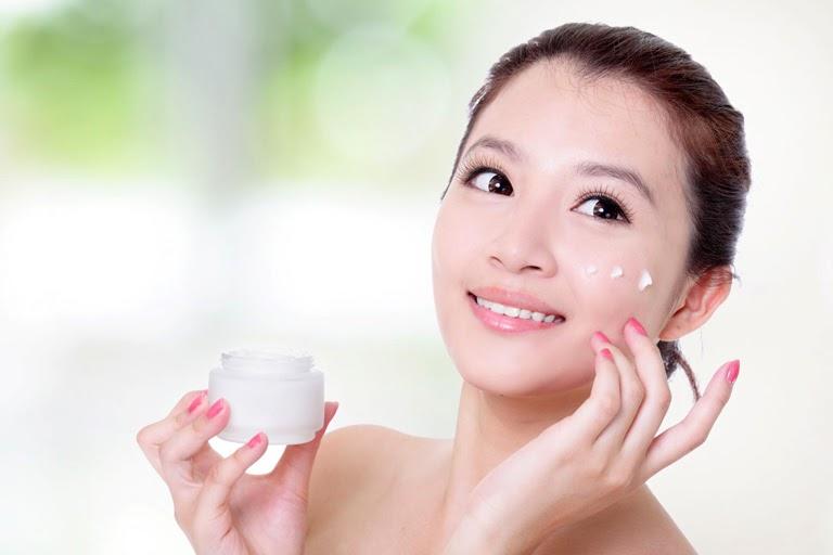 Sử dụng các loại kem dưỡng ẩm da phù hợp