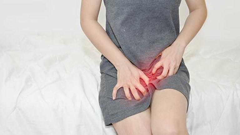 Viêm da cơ địa vùng kín là tình trạng vùng da xung quanh bộ phận sinh dục bị tổn thương và viêm nhiễm