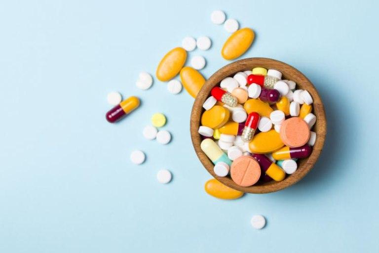 Dùng thuốc tây trong điều trị bệnh