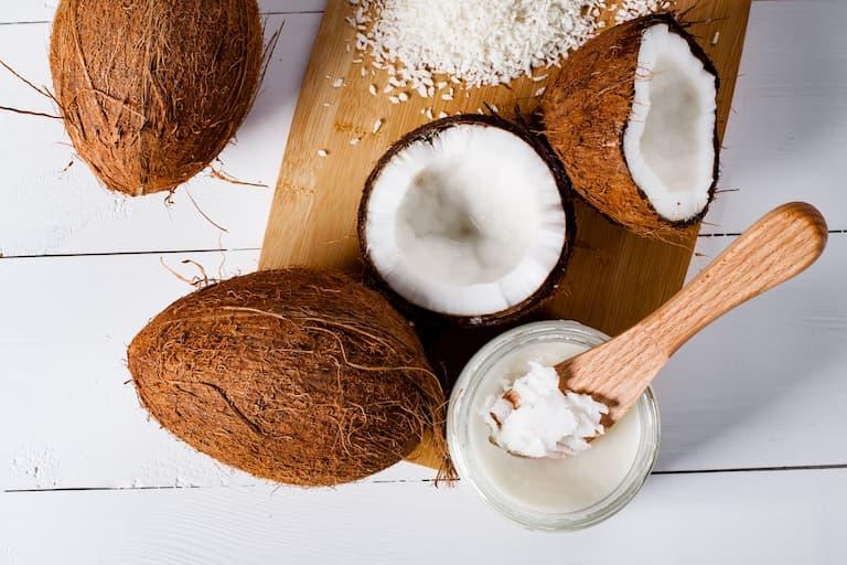 Áp dụng phương pháp điều trị kết hợp tỏi và dầu dừa