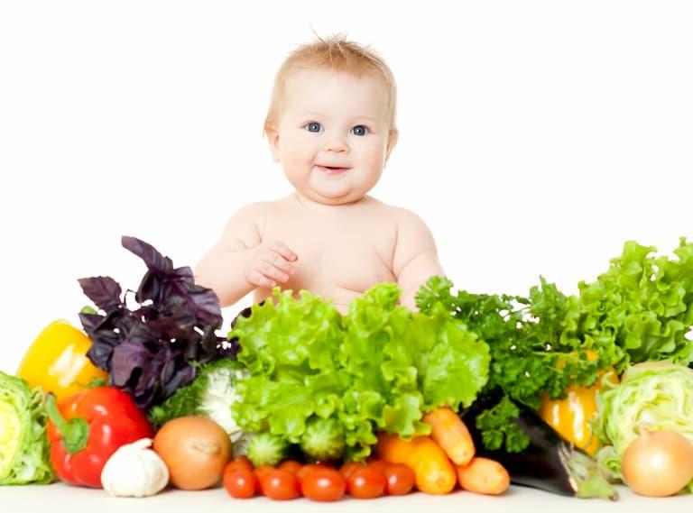 Mẹ cần chú ý tới chế độ dinh dưỡng cho con