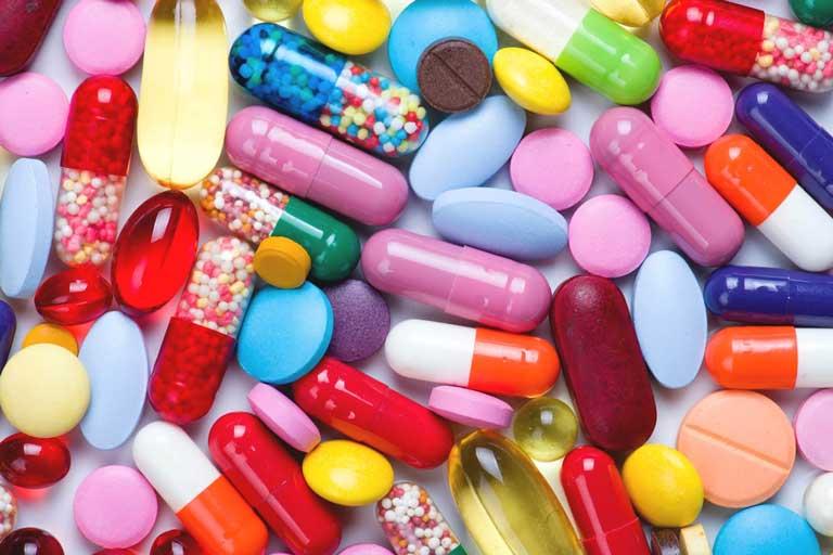 Thuốc kháng sinh được bác sĩ chỉ định khi mụn nặng