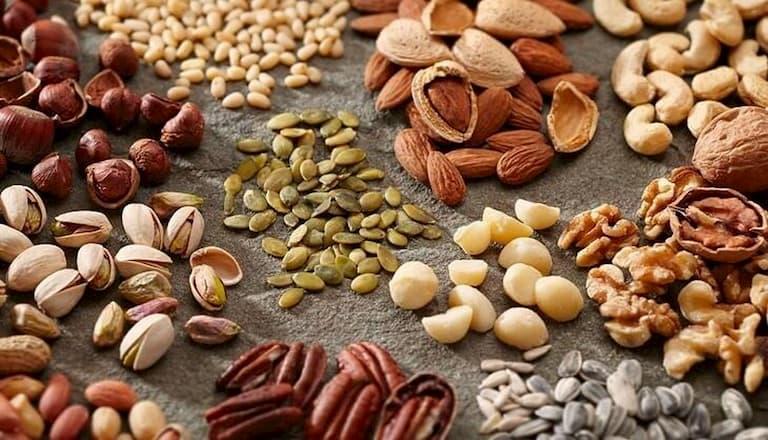 Người bệnh cần ăn nhiều loại hạt