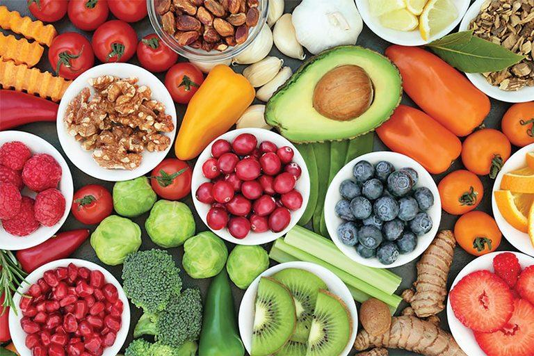 Chế độ dinh dưỡng nhiều vitamin hỗ trợ việc điều trị tàn nhang rất nhiều