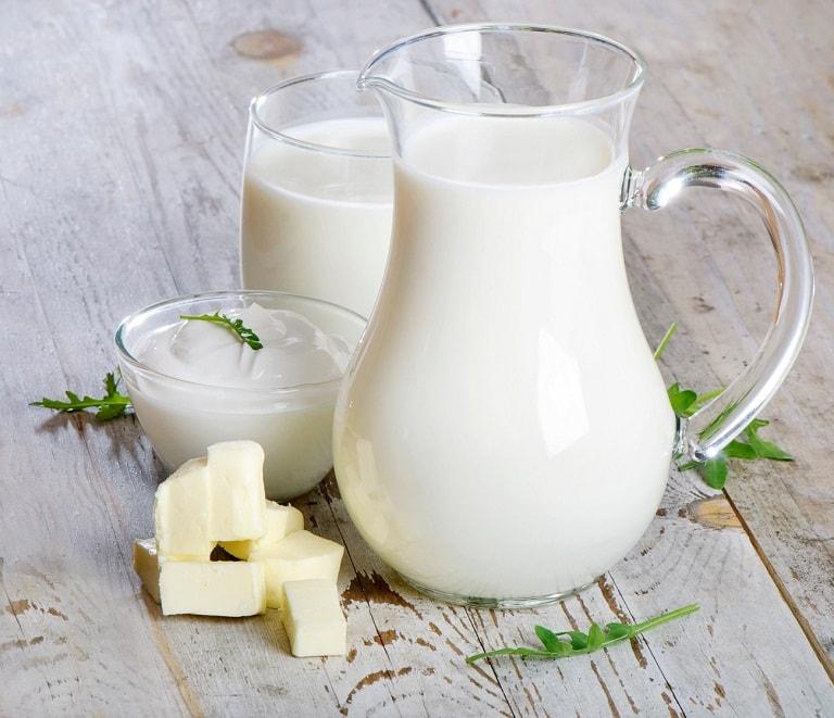 Người bị mụn cần hạn chế dùng sữa và các chế phẩm từ sữa