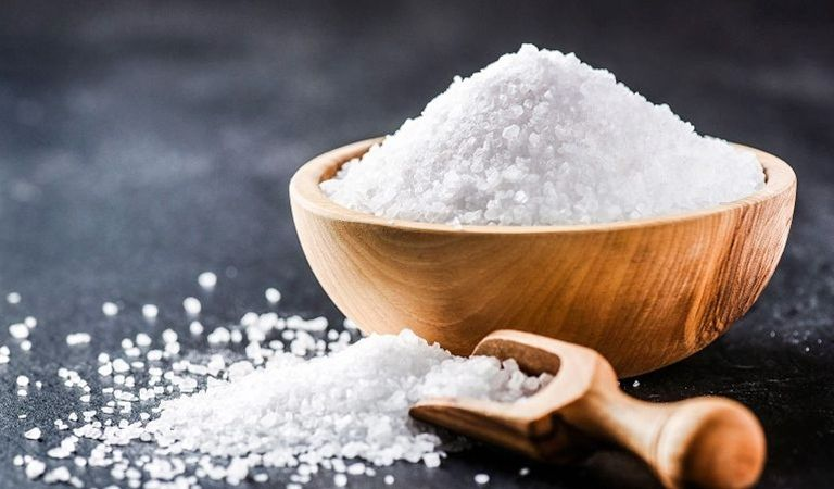 Cách chữa hắc lào bằng muối đơn giản, giảm nhanh triệu chứng bệnh