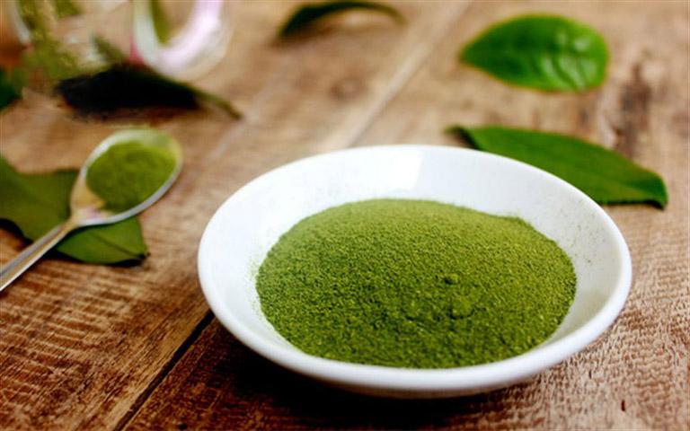 Thải độc da an toàn với bột trà xanh