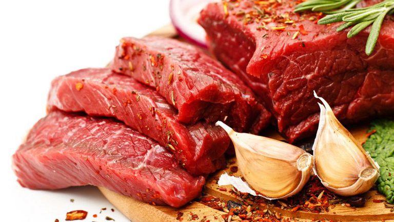 Bị hắc lào kiêng gì, có bao gồm cả thịt đỏ?