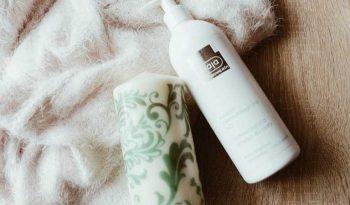 Sữa tắm chữa lang ben Ziaja Med Atopy