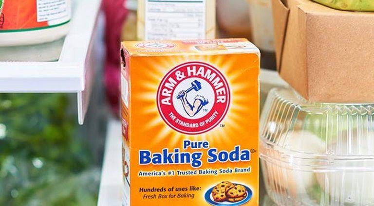 Bột baking soda dùng trong trị bệnh lang ben