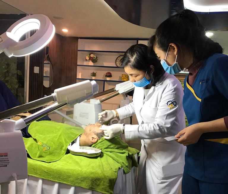 Học viên tại đây sẽ được đào tạo bởi các bác sĩ chuyên khoa, chuyên viên giàu kinh nghiệm