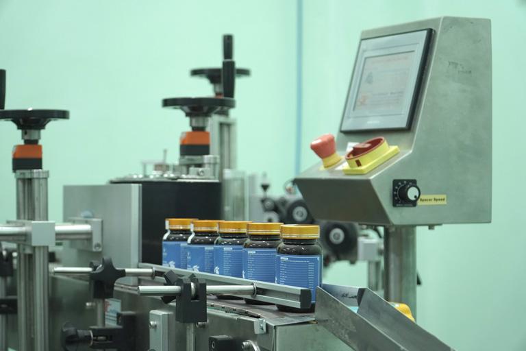 Viện Da liễu Hà Nội - Sài Gòn đặc biệt chú trọng và đầu tư vào quy trình sản xuất để đảm bảo chất lượng sản phẩm